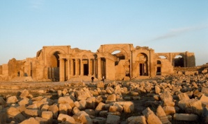 C8H5RD The remains of the ancient Parthian city of Hatra.